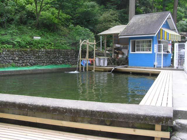 アメリカキャンプ村マス釣場画像