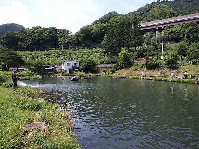 浅川国際鱒釣場画像