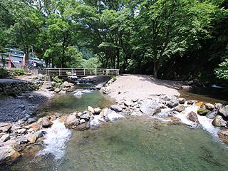 あしがくぼ渓谷国際釣場画像