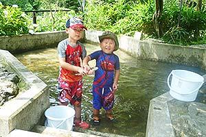 鮎川魚苑写真