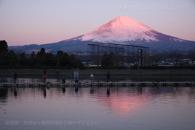 東山湖フィッシングエリア朝の時間帯写真