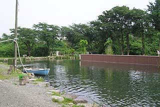 日の出釣堀釣り池写真