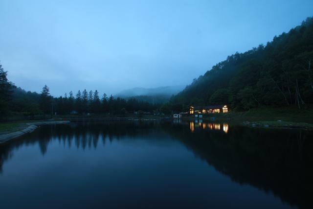 平谷湖フィッシングスポット朝の平谷湖写真