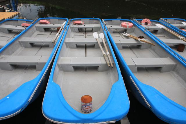 鳴沢湖レンタルボート写真