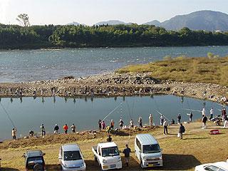 木曽川緑地ライン公園内マス釣り場画像