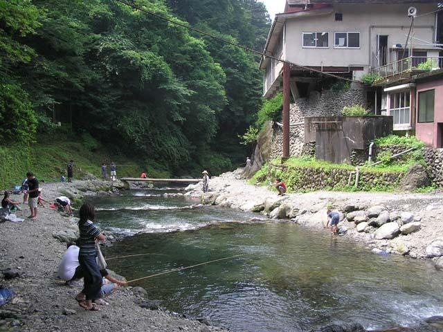 大丹波川国際虹マス釣り場画像