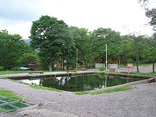 わらび平森林公園釣堀場画像
