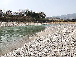 吉野川ルアー・フライ管理釣り場金剛山を望む写真