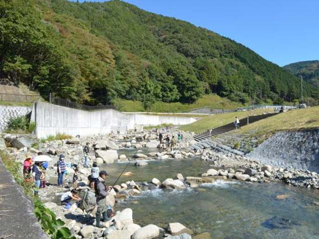 止々呂美渓流釣場 画像
