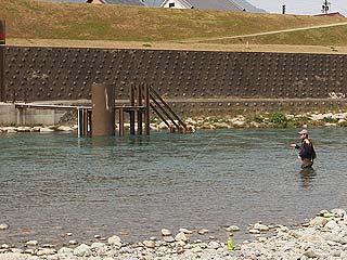 吉野川ルアー・フライ管理釣り場立ち込み可能写真