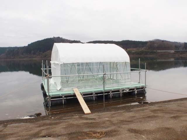 花山湖 わかさぎドーム船